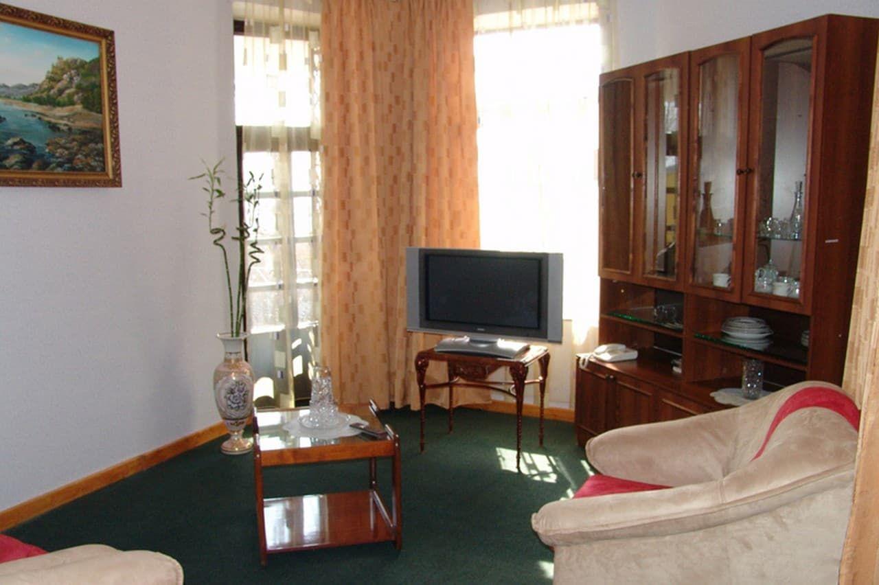 Люкс 2-х местный 2-х комнатный 10 корпус